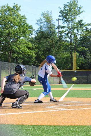 Softball team fights through adversity with positive attitude