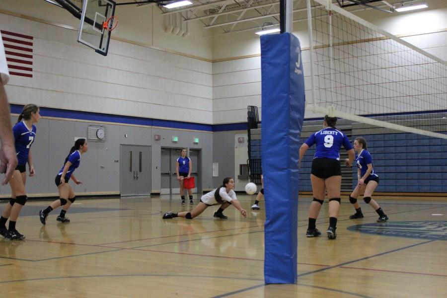 Volleyball+digs+in+and+prepares+for+successful+season